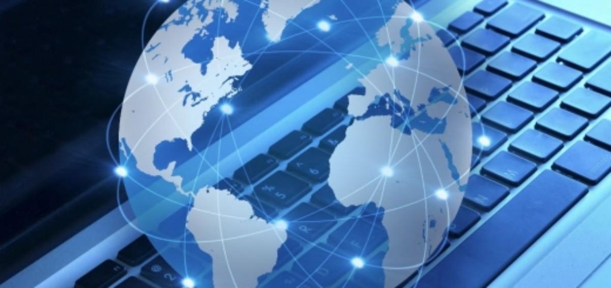 internet1 650x2451 1200x565 - Internet collega 3 miliardi di persone