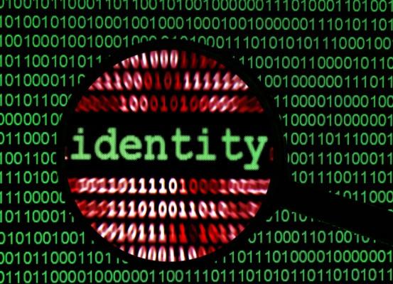 furto di identità 553x400 - PC e smartphone, come capire se qualcuno ti sta spiando
