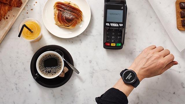 smartwatch samsung pay1 - Samsung Pay, che cosa è e come funziona