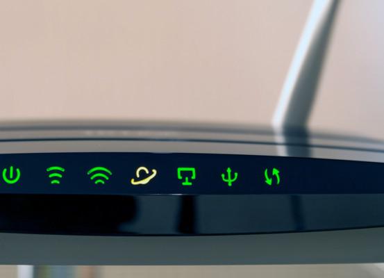 router 553x400 - PC e smartphone, come capire se qualcuno ti sta spiando