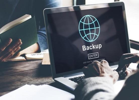 Backup 553x400 - PC e smartphone, come capire se qualcuno ti sta spiando