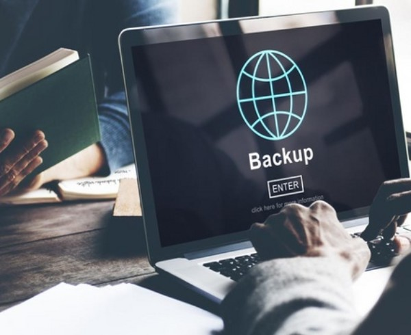 Backup 600x490 - Come fare il backup dei dati senza spendere troppo