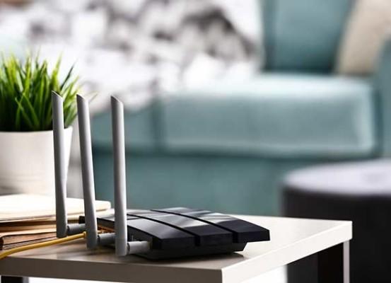 router wifi 553x400 - PC e smartphone, come capire se qualcuno ti sta spiando